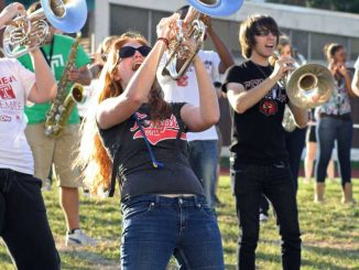 """Members of the Temple Diamond Marching Band play the song """"Payphone"""" on Sept. 19. ( KELSEY DUBINSKY // TTN )"""