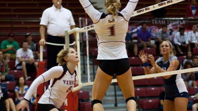 Sophomore setter Tiffany Connatser (right) averages 11.34 assists per set, ranking second in the A-10. ( HUA ZONG // TTN )