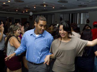Members of the Mas Estilo dance crew perform at Baila Conmigo on Sept. 28. ( LUIS FERNANDO RODRIGUEZ | TTN )