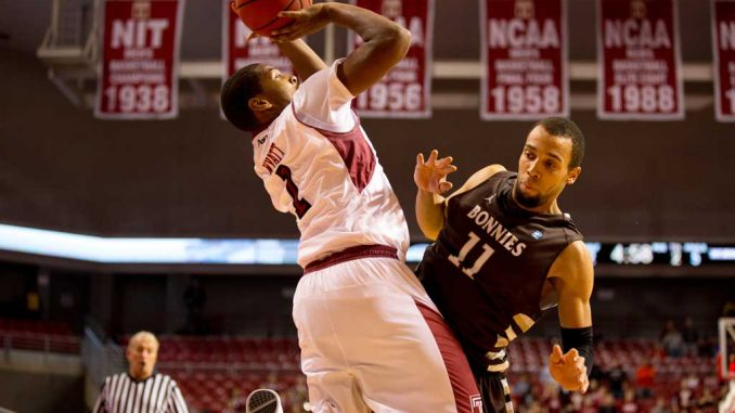Senior guard Khalif Wyatt led all scorers with 31 points in the Owls' 81-78 loss to St. Bonaventure.   HUA ZONG / TTN