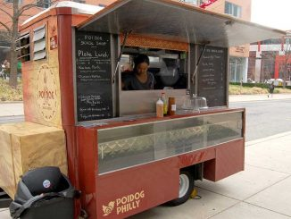 Poi Dog Snack Shop sets up shop on Main Campus every weekday except Wednesday. | BRIA TOPPER / TTN
