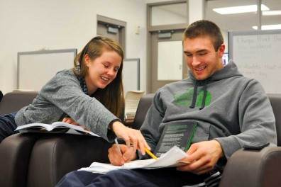 Senior Dalton Pepper of the basketball team meets with tutor Kate Kelly each week to keep on top of his academics as a student-athlete. Kelly is a reporter for The Temple News. | SASH SCHAEFFER TTN
