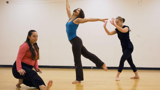 Coaction Dance Collective members Julee Mahon (left), Emma MacDonald and Gracianna Coscia practice in a studio on Main Campus. Kara Milstein |TTN