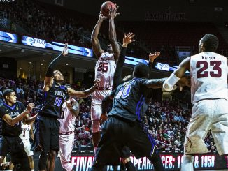 Junior guard Quenton DeCosey pulls up for a shot in Temple's loss to Tulsa last Saturday. DeCosey finished the afternoon with 12 points. Chip Frenette   TTN