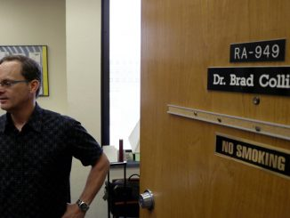 Dr. Bradley Collins, associate professor and director of Temple's Health Behavior Research Clinic, is working with Dr. Stephen Lepore, professor and chair of the department of social and behavioral sciences, to help mothers in low-income neighborhoods quit smoking. | Evan Easterling TTN